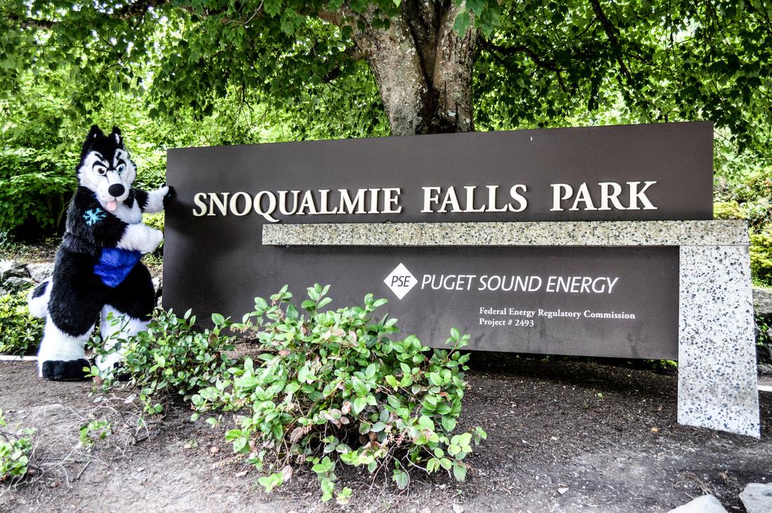 Snoqualmie Adventure! - Kuhori and Grave's Fursuiting Adventures